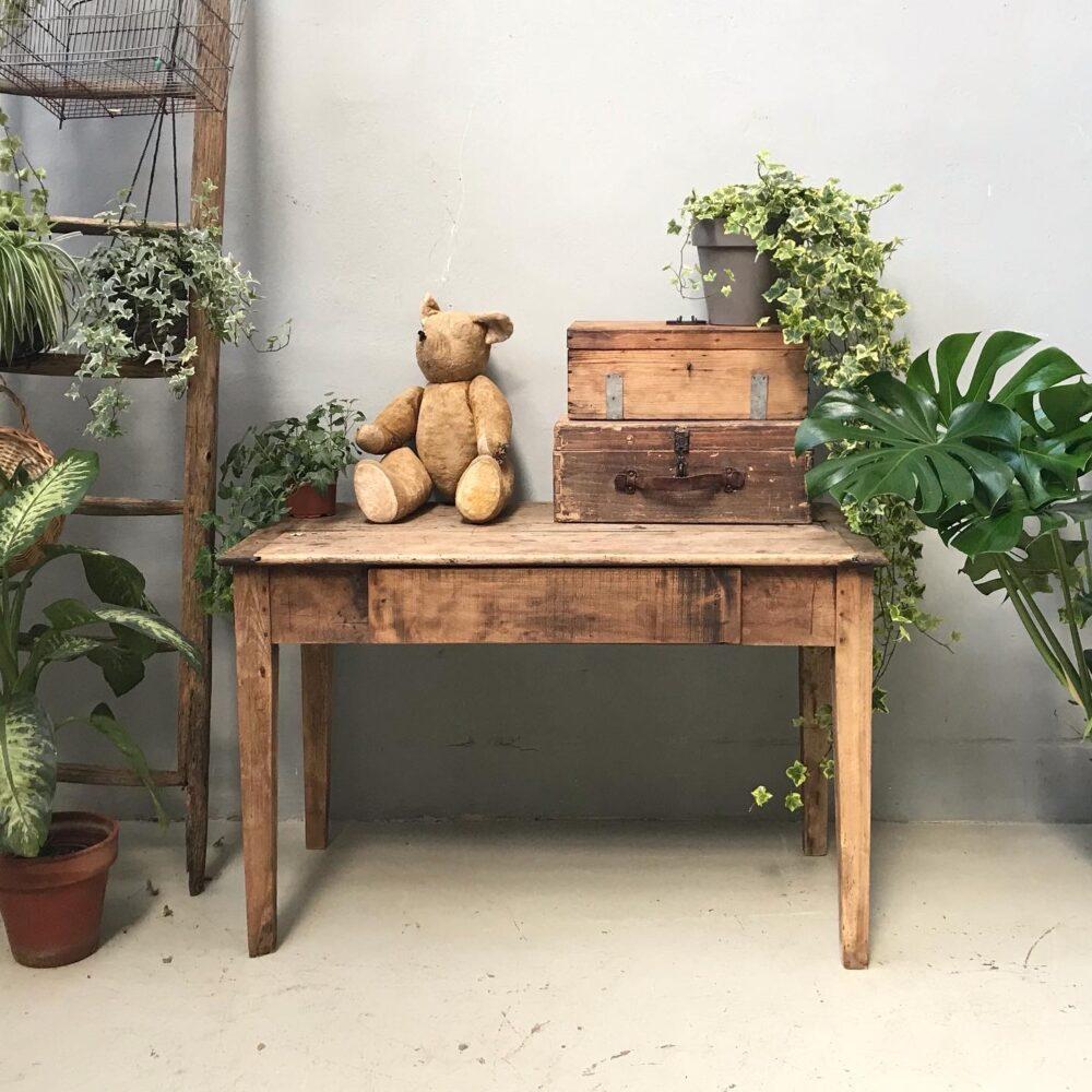 Tavoli e Scrivanie